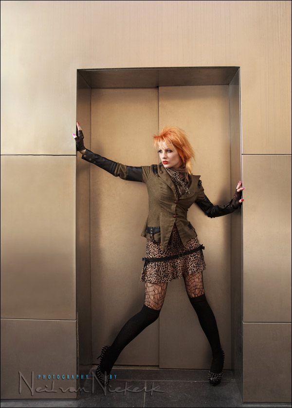 example: direct off-camera flash vs softbox (model: Ulorin Vex)