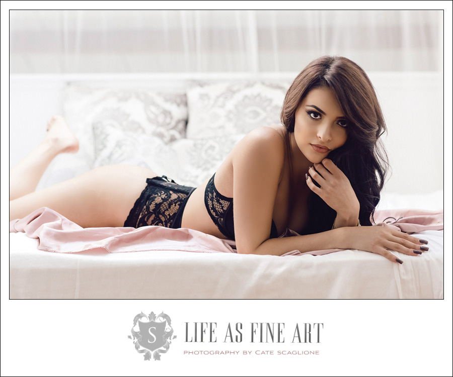 Shooting a boudoir photography promo video