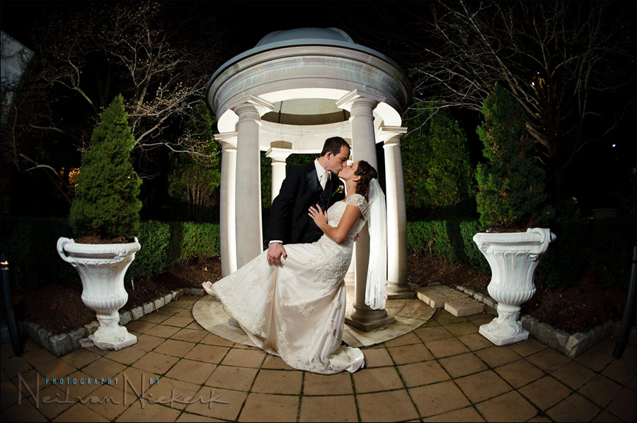 Using A Variety Of Lighting Techniques For Wedding Photography