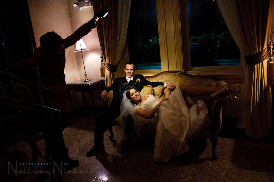 Different Lighting Ideas For The Romantic Wedding Portraits