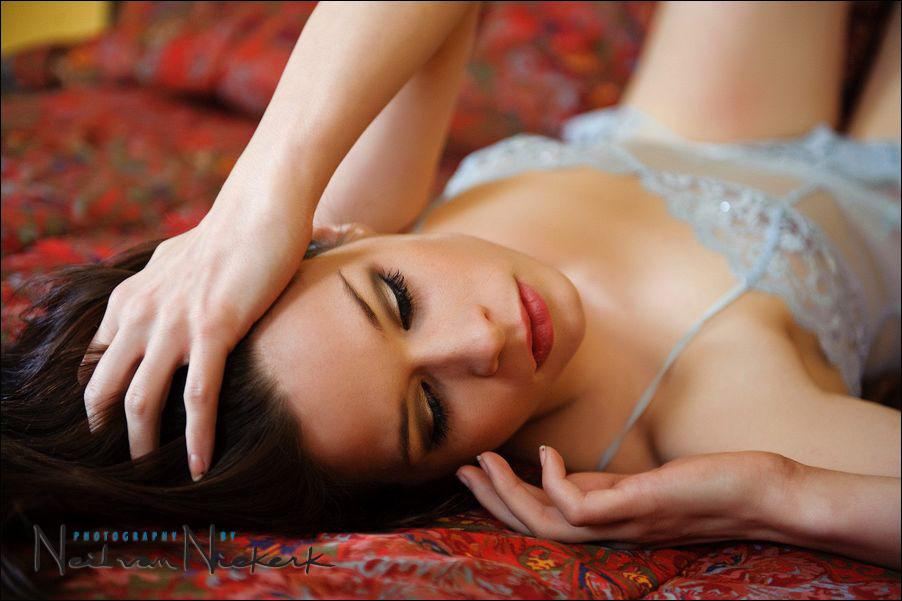 lighting for boudoir photo sessions