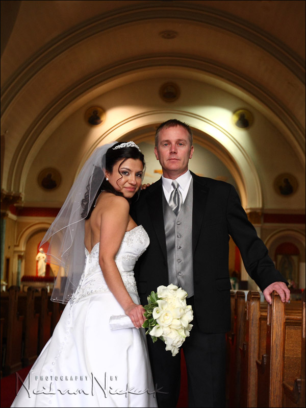 wedding portraits: finding something to bounce your flash off