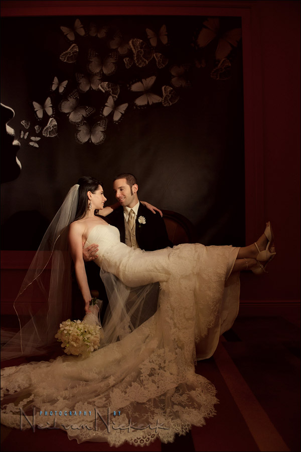 wedding photography: bride & groom portraits with video light