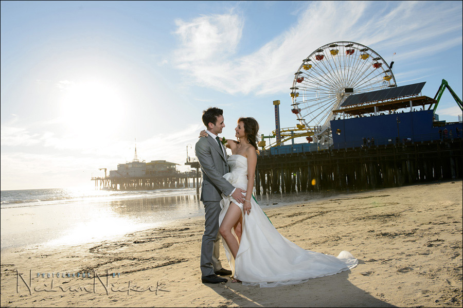 Off-camera flash for wedding portraits on the beach