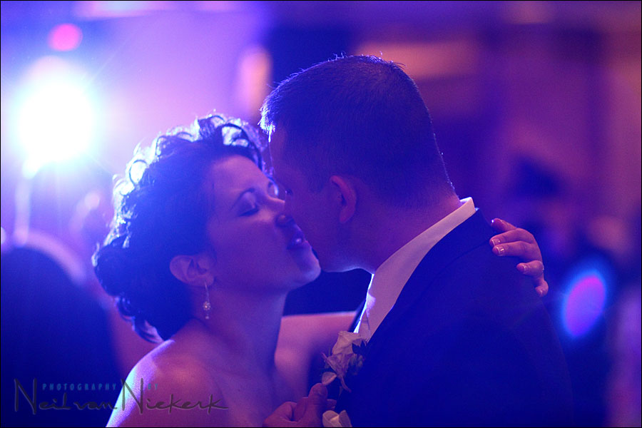 Wedding photography – Dealing with the DJ's lights
