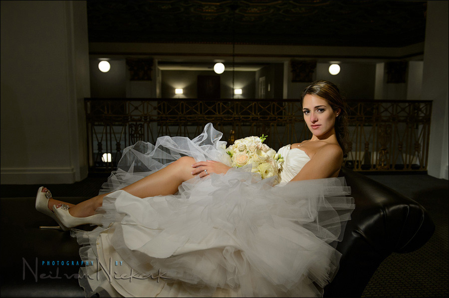 Wedding photography: posing and lighting – a consistent style