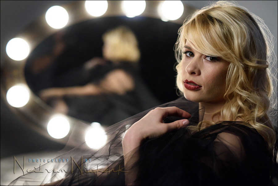 Boudoir photography with a Hollywood glamor feel