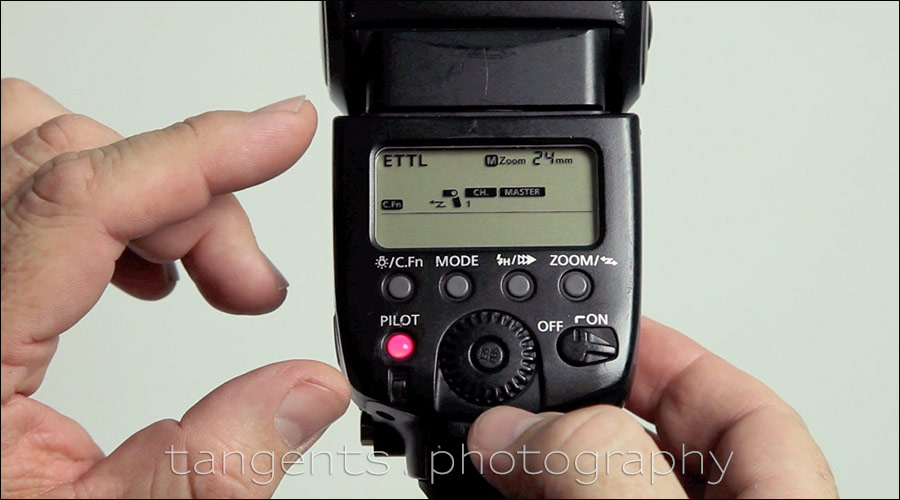 How to set up wireless flash with the pop-up flash