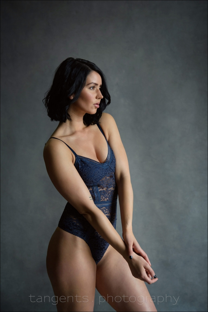 Available light: Boudoir photography & Feminine portraiture